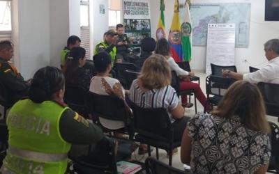 Alcaldía, rectores de instituciones educativas y la Policía Nacional articulan esfuerzos por propiciar entornos escolares seguros