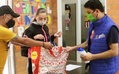 Alcaldía de Bucaramanga ha entregado más de 74 mil mercados como respuesta a las necesidades de los bumangueses