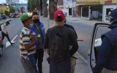 Alcaldía de Bucaramanga, con apoyo interinstitucional, adelantó controles a los limpiavidrios en los semáforos de la ciudad