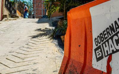 Después de 20 años, se pavimentó vía en el barrio El Pablón en Bucaramanga