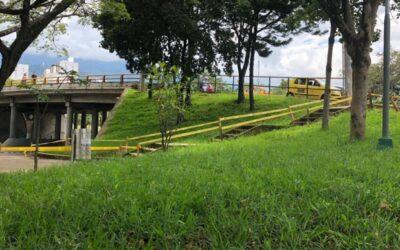El verde predomina en el entorno del Puente de Provenza