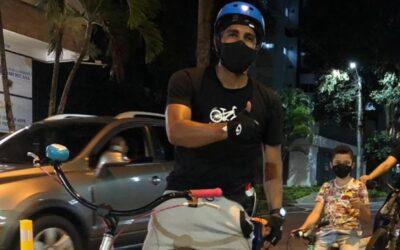 'Los héroes de hoy montan en bicicleta'
