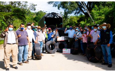 Campesinos de Bucaramanga recibieron sistemas de riego para sus cultivos