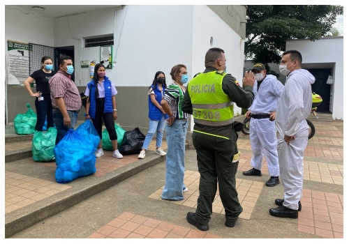 460 kits de aseo fueron entregados a internos de las estaciones de Policía