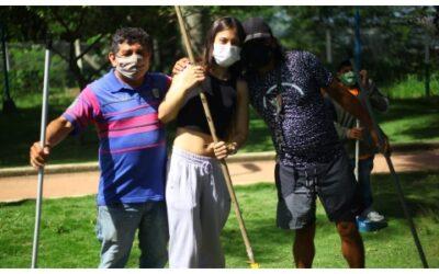 Vacunación antirrábica y trabajo comunitario en el Parque Los Guayacanes
