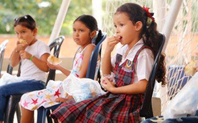 Refrigerio del PAE fue bien recibido por los niños del colegio Andrés Páez de Sotomayor