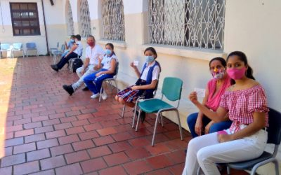 Cerca de 2.700 vacunas se han aplicado a estudiantes de colegios en Bucaramanga